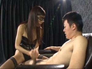 痴女 手コキ 連続射精 青山梨果